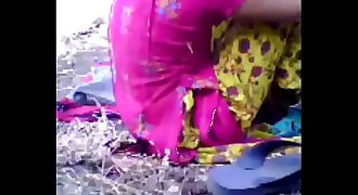 Muslim girl fuck with her boyfriend in to the forest. Delhi Indian sex video