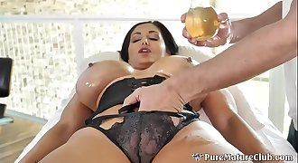 Thick Boobs Cougar Milf Ava Addams Oiled Up Massage Fuck