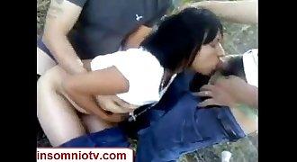 Orgia en el monte con una zorrita www.insomniotv.com