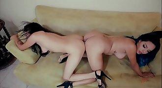 Annie & Chamel Lesbian sex
