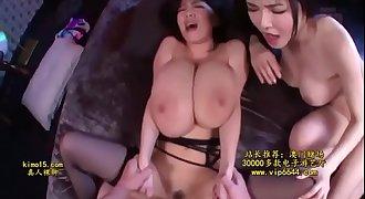Hitomi Tanaka y Anri Okita - trio bien piola