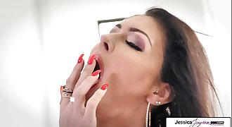 Jessica Jaymes show you her big knockers and wet pink vagina