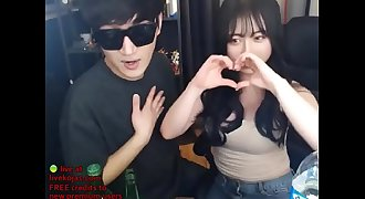Kissing my cute Korean gf - Live at livekojas.com