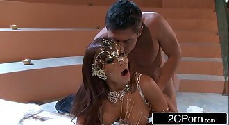 Madison Ivy's First-Time Anal Hook-up Goes Better Than Planned