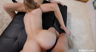 18yr old has AMAZING first threesome