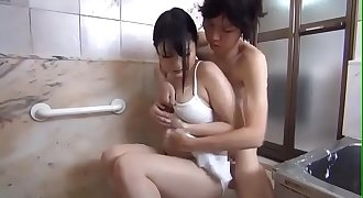 Japanese Mama Take a Shower
