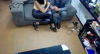 Mujer graba con cámara oculta a su casero proponiendo sexo y lo denuncia