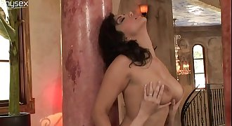 Indian beauty Sunny Leone lets Capri Anderson worship her pussy-copypasteads.com